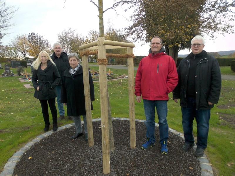 Bürgerwille umgesetzt: Naturnahe Urnengräber auf den Linsengerichter Friedhöfen
