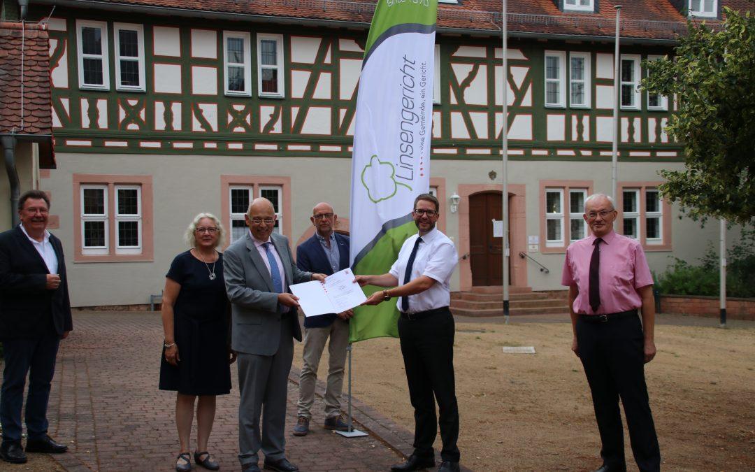 Landesehrenbrief an Klaus Balzer (BGL/FWG Linsengericht)für vielfältige ehrenamtliche Tätigkeiten verliehen